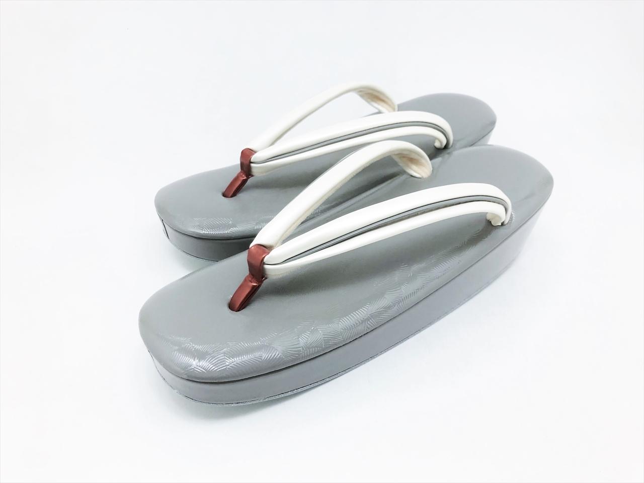 [女物]牛革 エナメル 銀杏文様 型押し 六角草履(L)